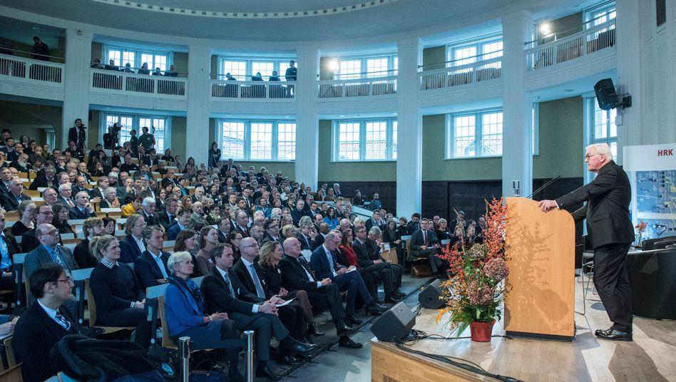 Bundespräsident Frank-Walter Steinmeier während der Jahresversammlung der HRK