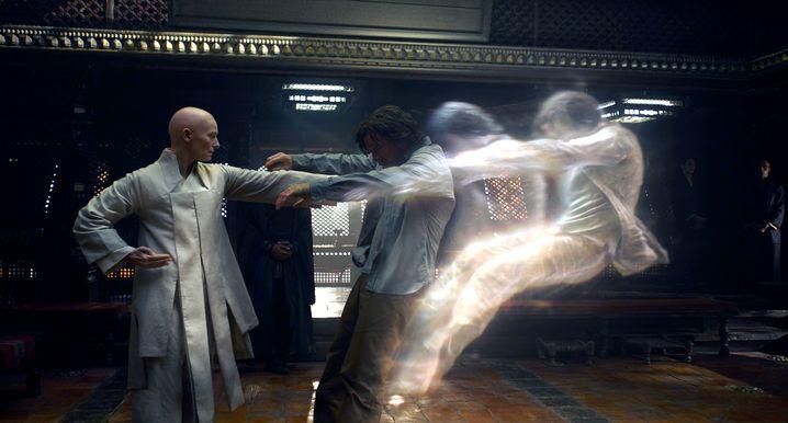 """In der Comic-Adaption """"Doctor Strange"""" wurde die Figur des """"Ancient One"""" (gespielt von Tilda Swinton) von einem tibetischen Mann in eine keltische Frau umgewandelt, um Chinas Zensoren nicht zu provozieren"""