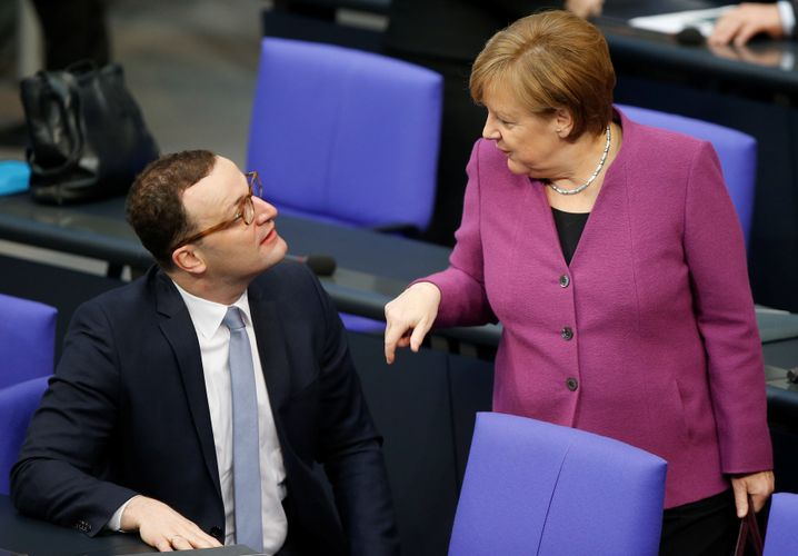 """Health Minister Jens Spahn and Chancellor Angela Merkel prior to the corona crisis: """"It is important that we remain vigilant."""""""
