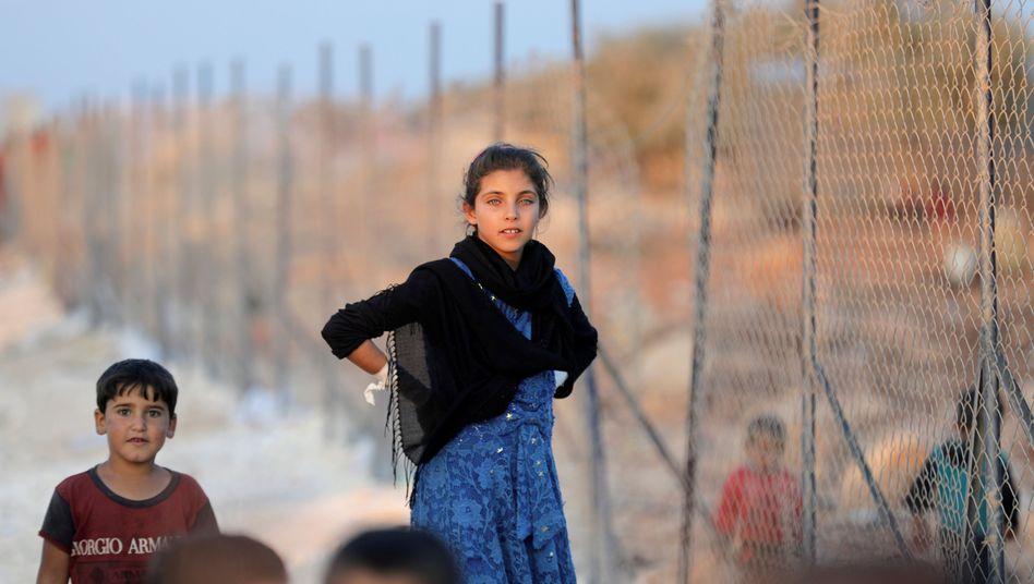 Syrische Kinder in einem Auffanglager nahe Idlib