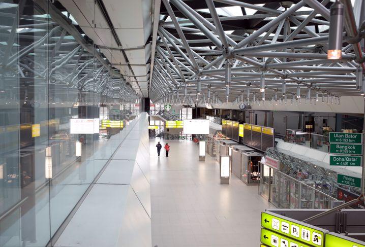 Fast menschenleerer Flughafen Berlin-Tegel (am 30. März)