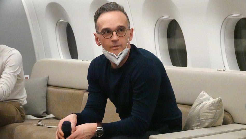 Außenminister Heiko Maas an Bord einer Regierungsmaschine