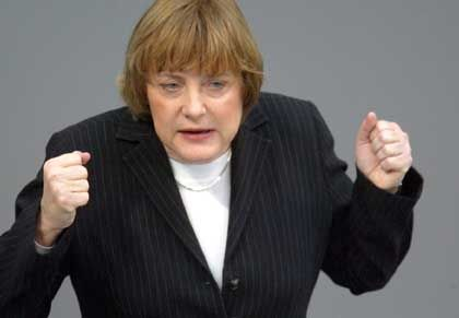 "CDU-Chefin Merkel: Krieg war ""unvermeidbar"""