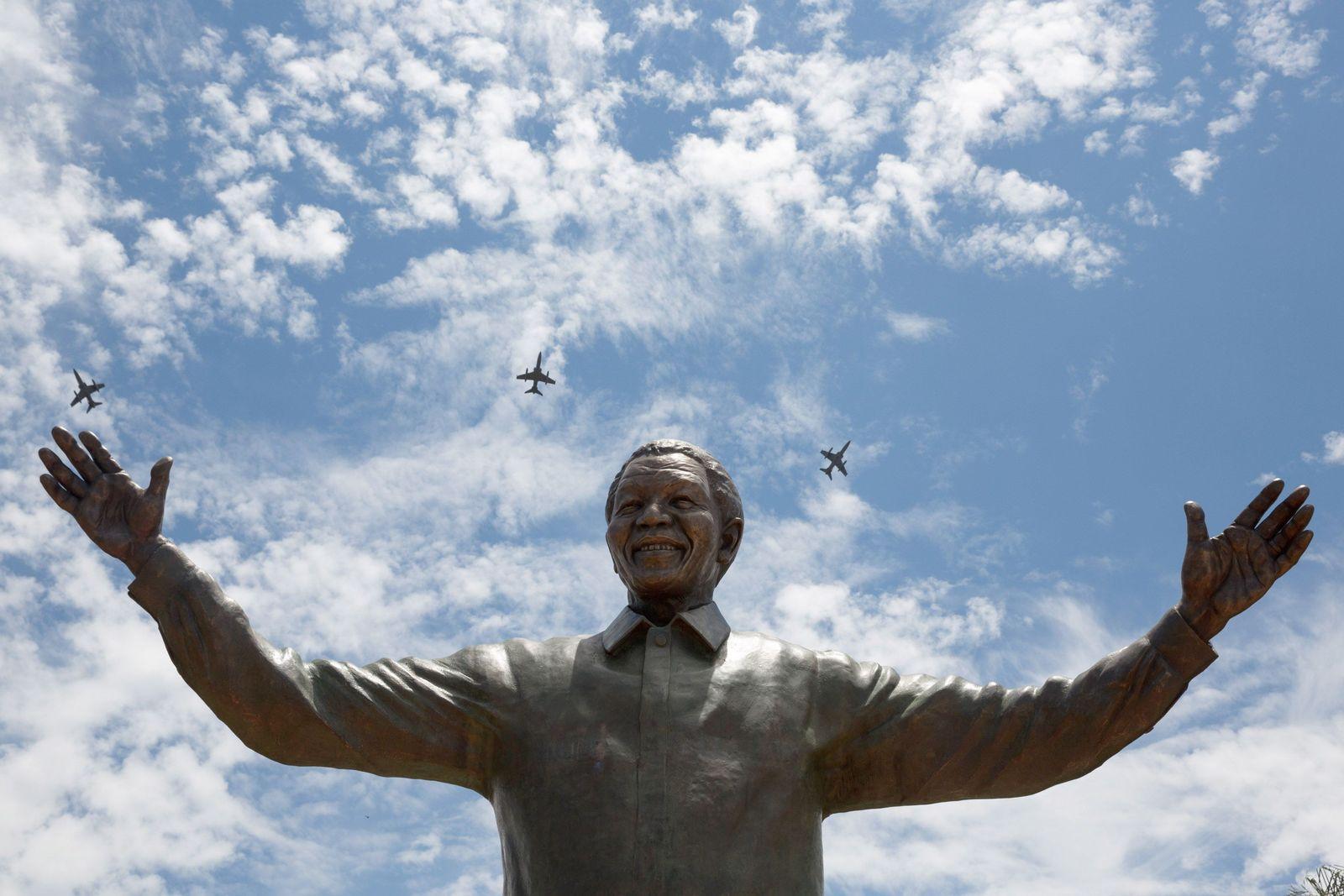 Mandela/Statue/Pretoria