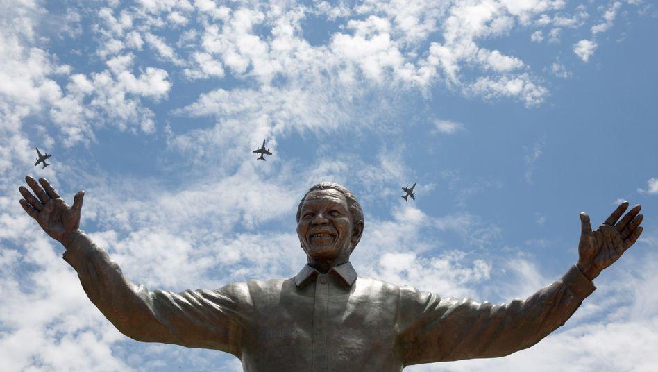 Mandela-Denkmal in Pretoria: Aufruf zur Vereinigung der Regenbogennation