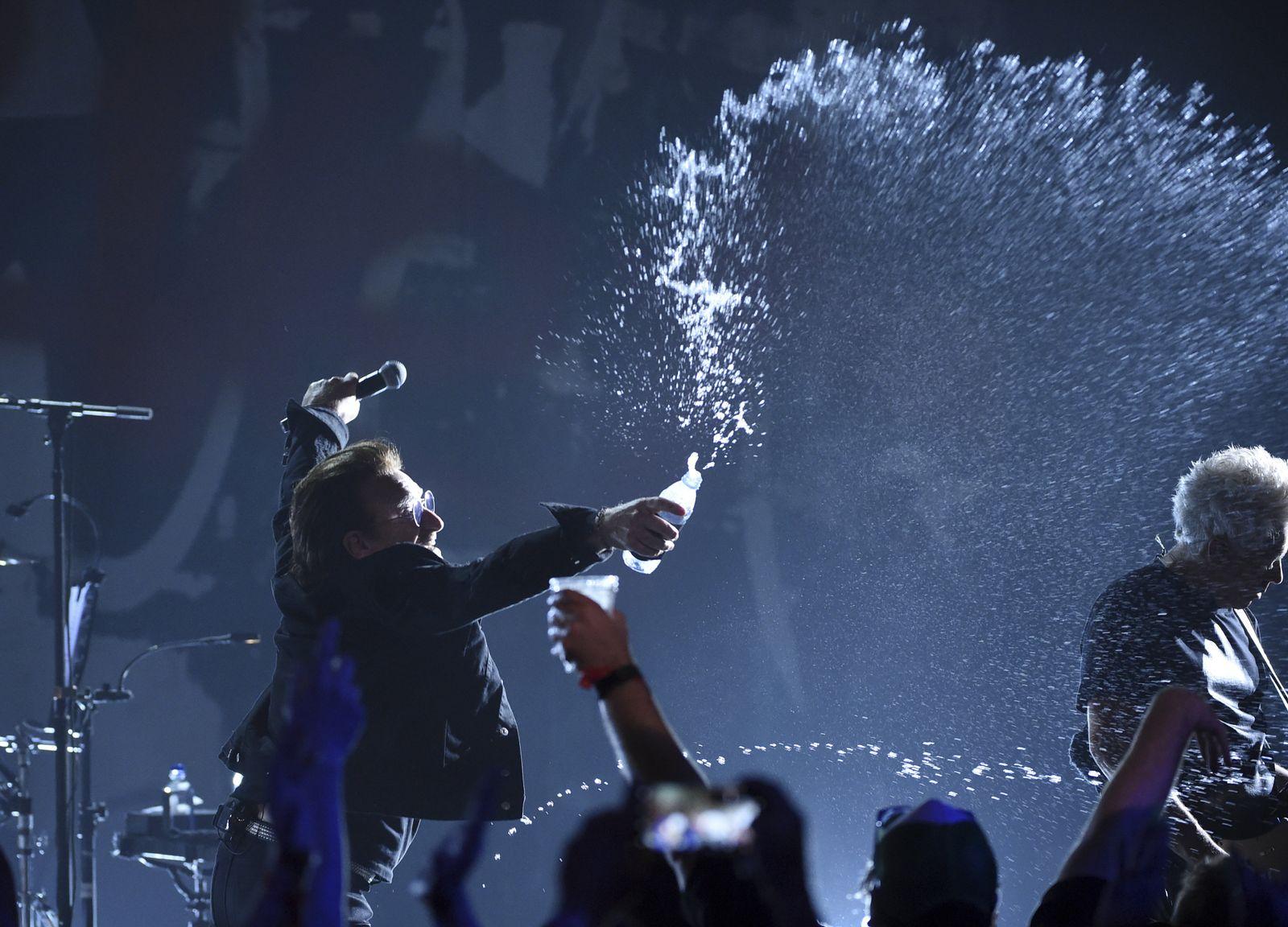U2/ Bono