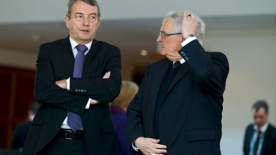 Den früheren DFB-Bossen Wolfgang Niersbach und Theo Zwanziger (Archivbild) droht neues Ungemach