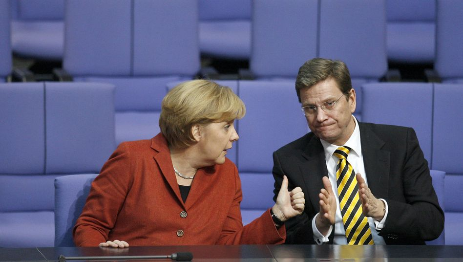 Koalitionäre Merkel, Westerwelle: Widerstand gegen schwarz-gelbe Steuerpläne