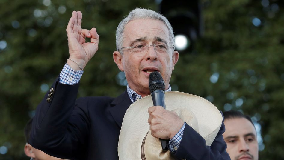 Kolumbiens Ex-Präsident Uribe: Der beliebte Politiker spaltet das Land