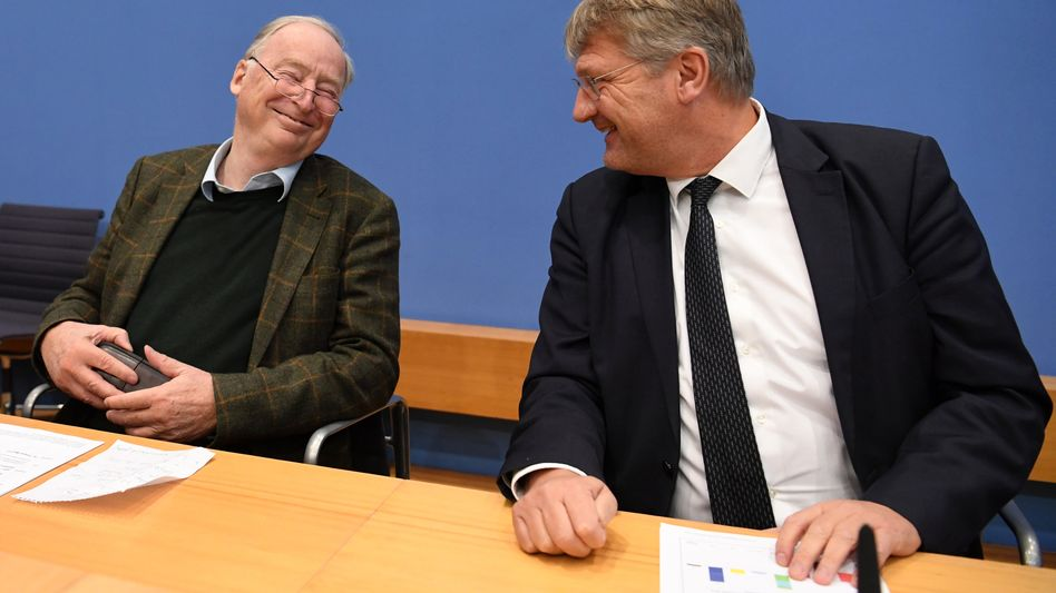 Jörg Meuthen (r.), Parteivorsitzender der AfD, und Alexander Gauland, AfD-Fraktionsvorsitzender im Bundestag