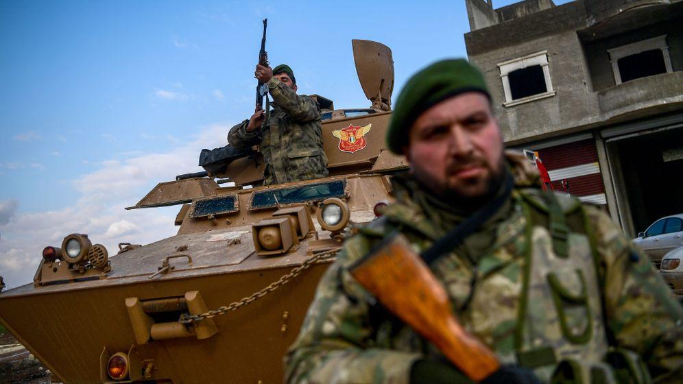 Offensive in Syrien stockt: Erdogans Panzer stecken fest