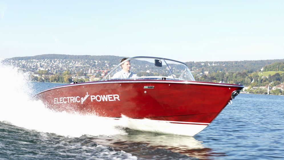 Photo Gallery: Battery Powered Boats