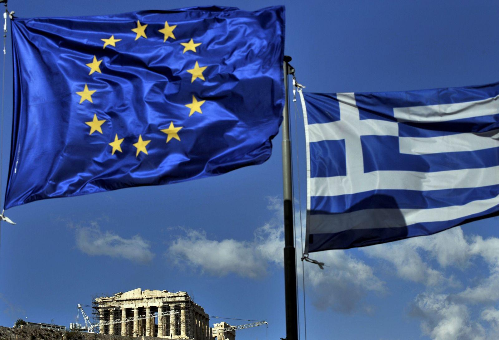 Griechenland/ Akropolis/ Flaggen