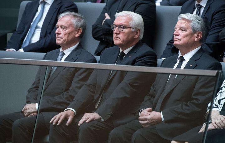 Ex-Bundespräsident Köhler, Amtsinhaber Steinmeier und sein Vorgänger Gauck bei Gedenkveranstaltung