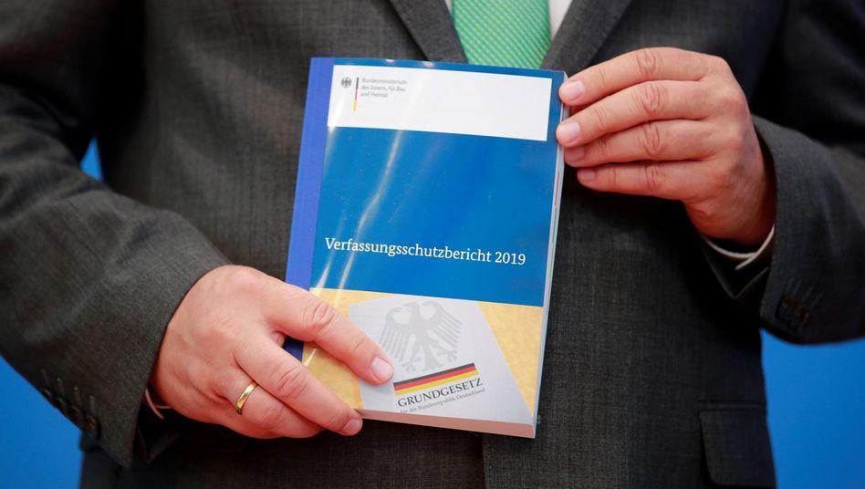 Vorstellung des Verfassungsschutzberichts 2019 in Berlin