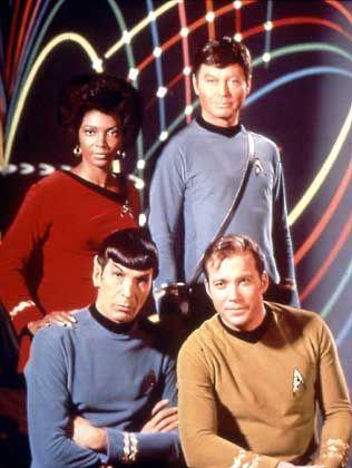 """Shatner als Captain Kirk im Kreise seiner """"Enterprise""""-Crew: """"Großer Sinn für Menschlichkeit"""""""