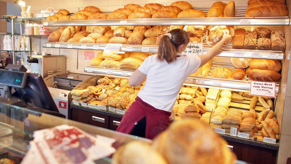 """Verkäuferin in einer Bäckerei: """"Branchen stehen Schlange"""""""