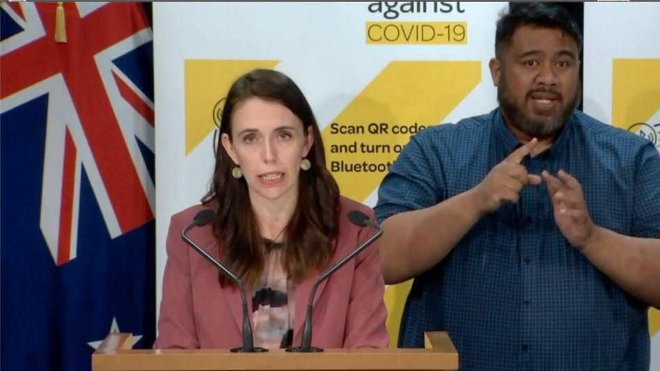 Neuseelands Premierministerin Jacinda Ardern: »Selbst mit den langfristigen Beschränkungen, die wir hatten, haben wir offensichtlich nicht die Null erreicht«