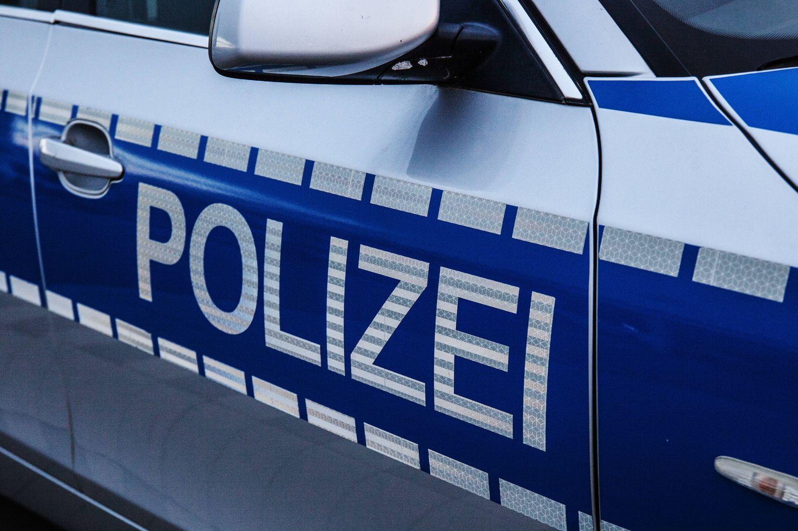 Bamberg, Deutschland 24. Mai 2021: Ein Einsatzfahrzeug der Polizei mit Schriftzug. Bayern *** Bamberg, Germany 24 May 20