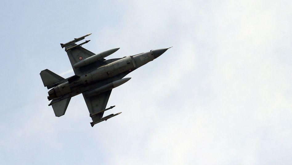 Türkischer Kampfflieger
