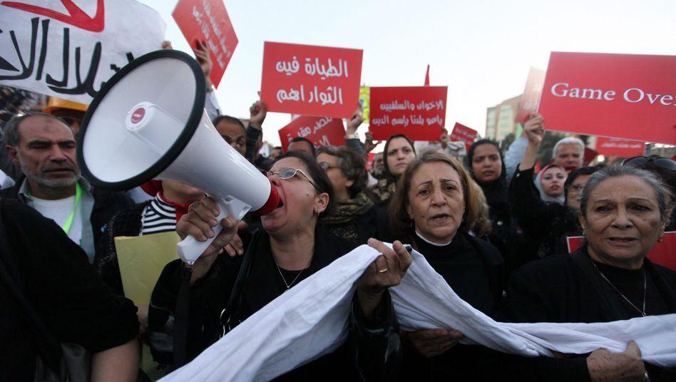 Anti-Mursi-Protest in Kairo: Der ägyptische Präsident sucht einen Ausweg aus der Krise