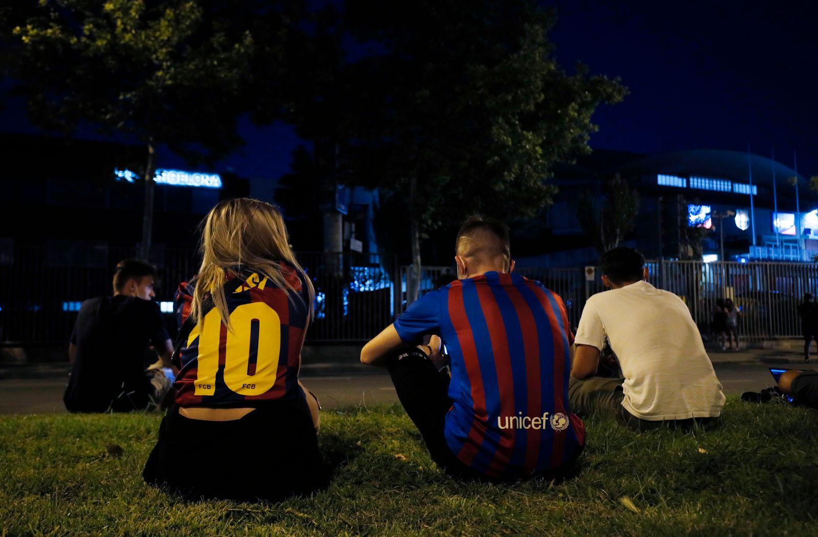 FC Barcelona announce Lionel Messi will leave the club