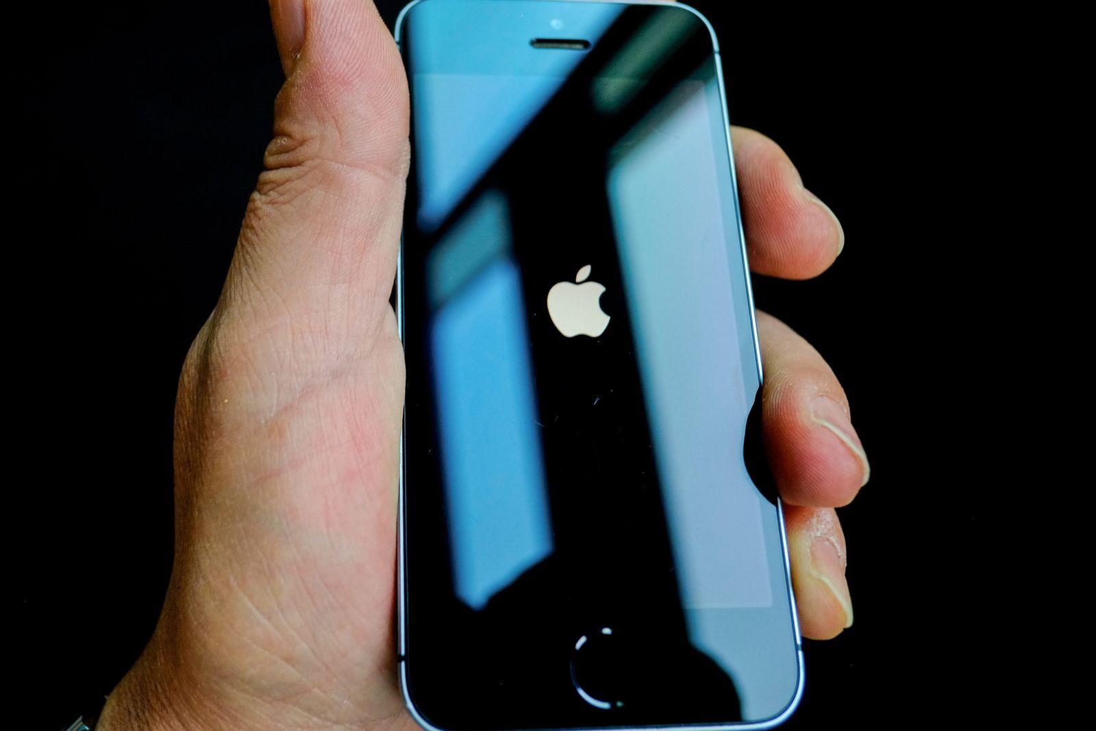 Apple-Logo auf einem iPhone
