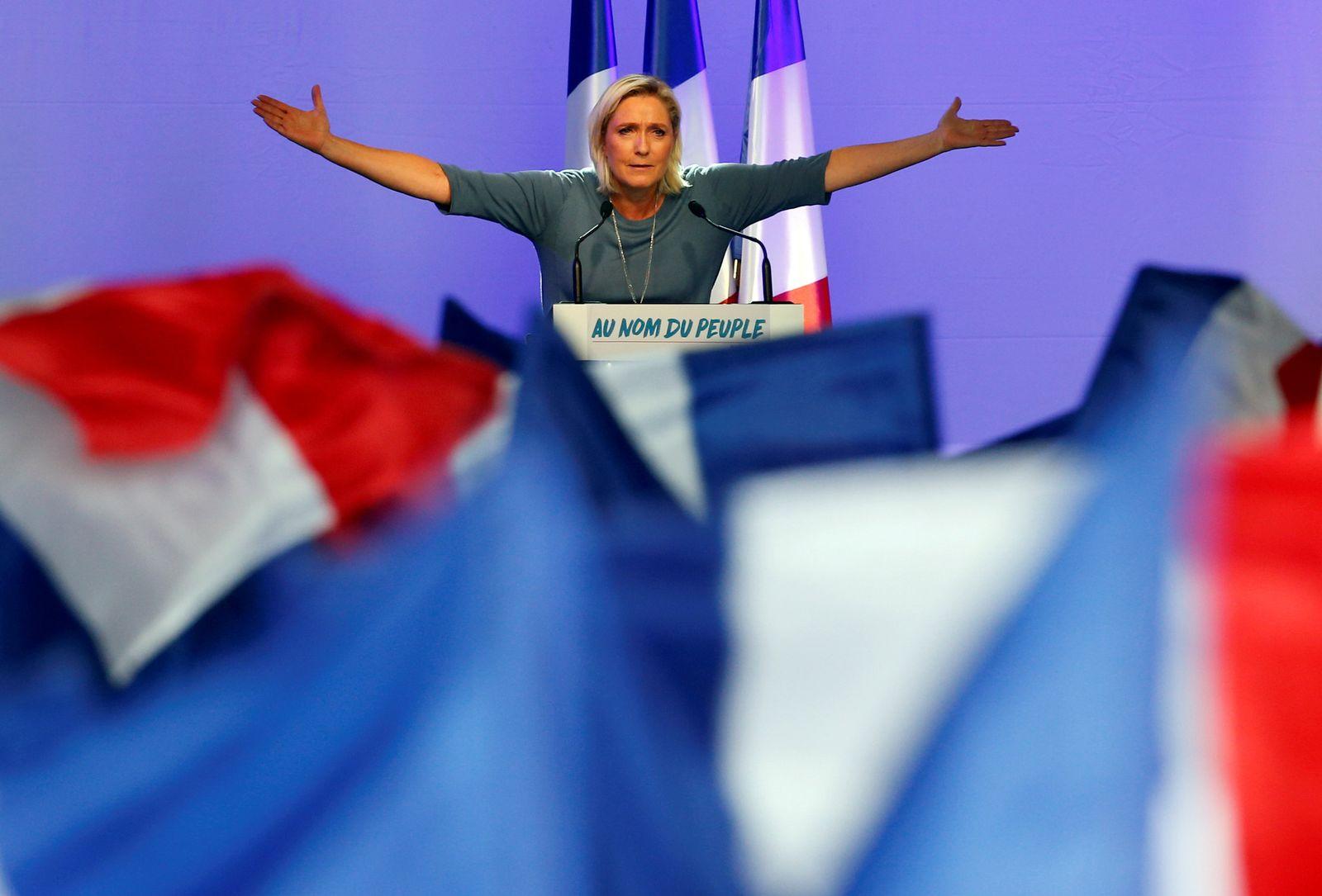 EINMALIGE VERWENDUNG Neue Rechte/ Le Pen