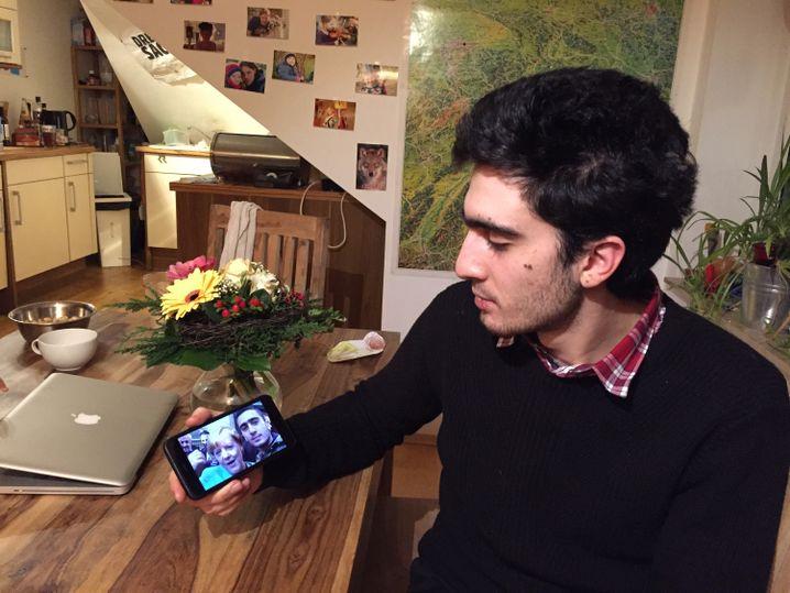 Auf seinem Handy hat Modamani das Selfie von damals gespeichert