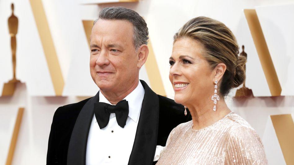 Tom Hanks und Rita Wilson (im Februar 2020): Sie hätten sich müde und fiebrig gefühlt, wie bei einer Erkältung, schrieb der Schauspieler