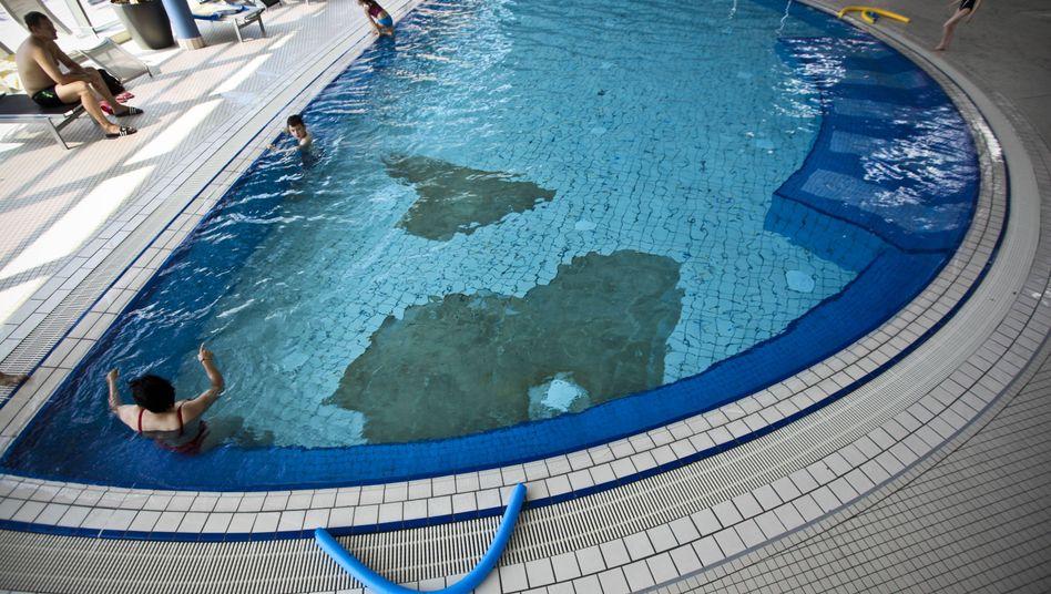 Marodes Schwimmbad (Archivbild)