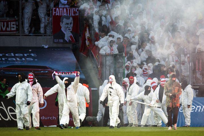 Kölner Ultras im Borussia-Park: Auslöser der DFB-Auflagen
