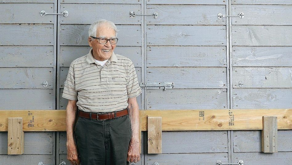 The British scientist, inventor and environmentalist James Lovelock
