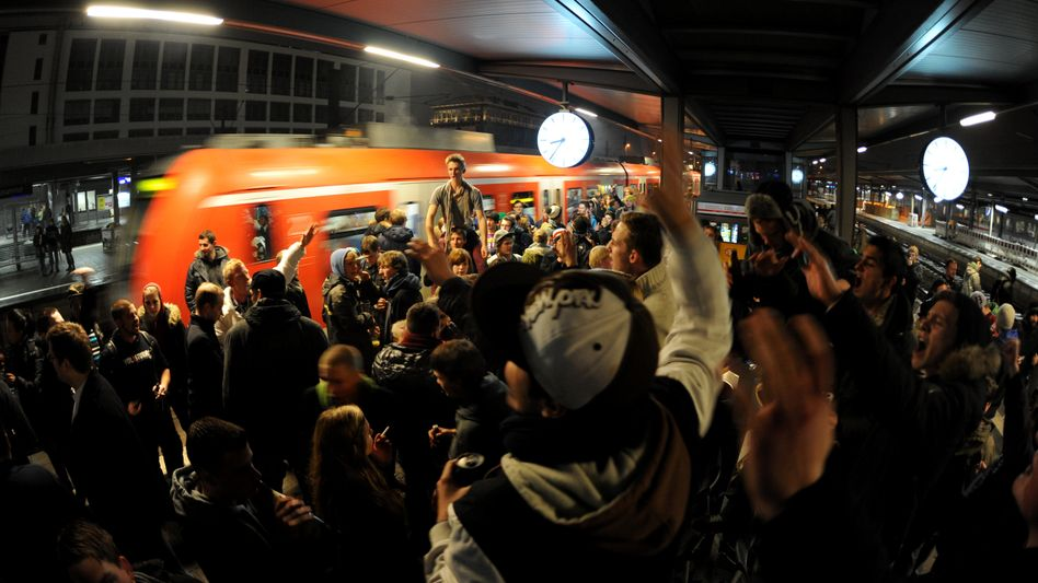 Last Saturday, revelers in Germany's beer capital, Munich, offered each other one last toast on the public transport system. Will Berlin be next to make booze on the Bahn verboten?