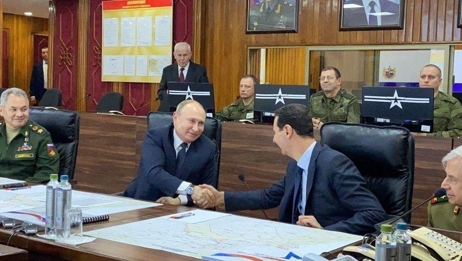 Putin besucht überraschend Syrien - Treffen mit Präsident Assad und führenden Militärs