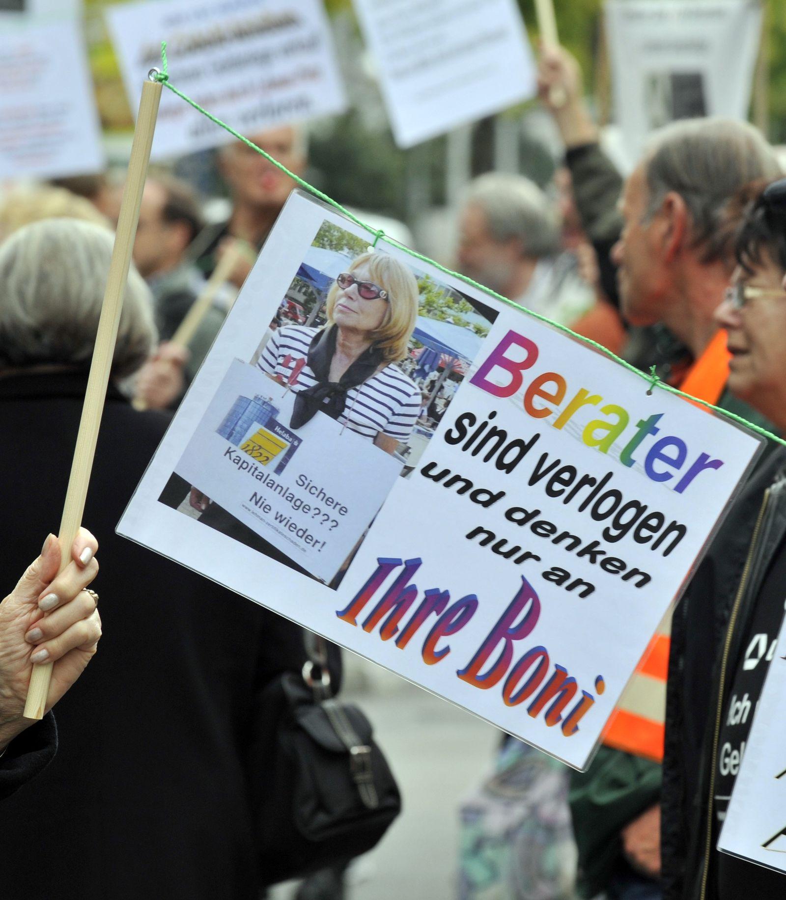 Lehman-Opfer demonstrieren zum Jahrestag der Pleite