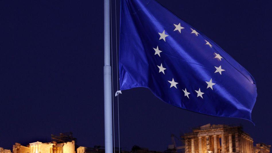 Europäische Flagge in Athen: Sorgen und Hoffnungen zum Jahreswechsel