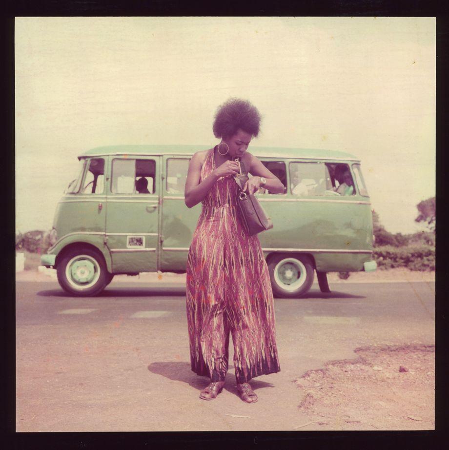 James Barnor hat in seinen Bildern den Zeitgeist festgehalten. Dieses Model hat er in Accra für einen Kalender fotografiert, vermutlich 1974