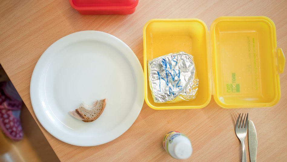Stulle zu Mittag: Viele Einrichtungen verzichten seit einiger Zeit auf Essen aus Catering-Betrieben