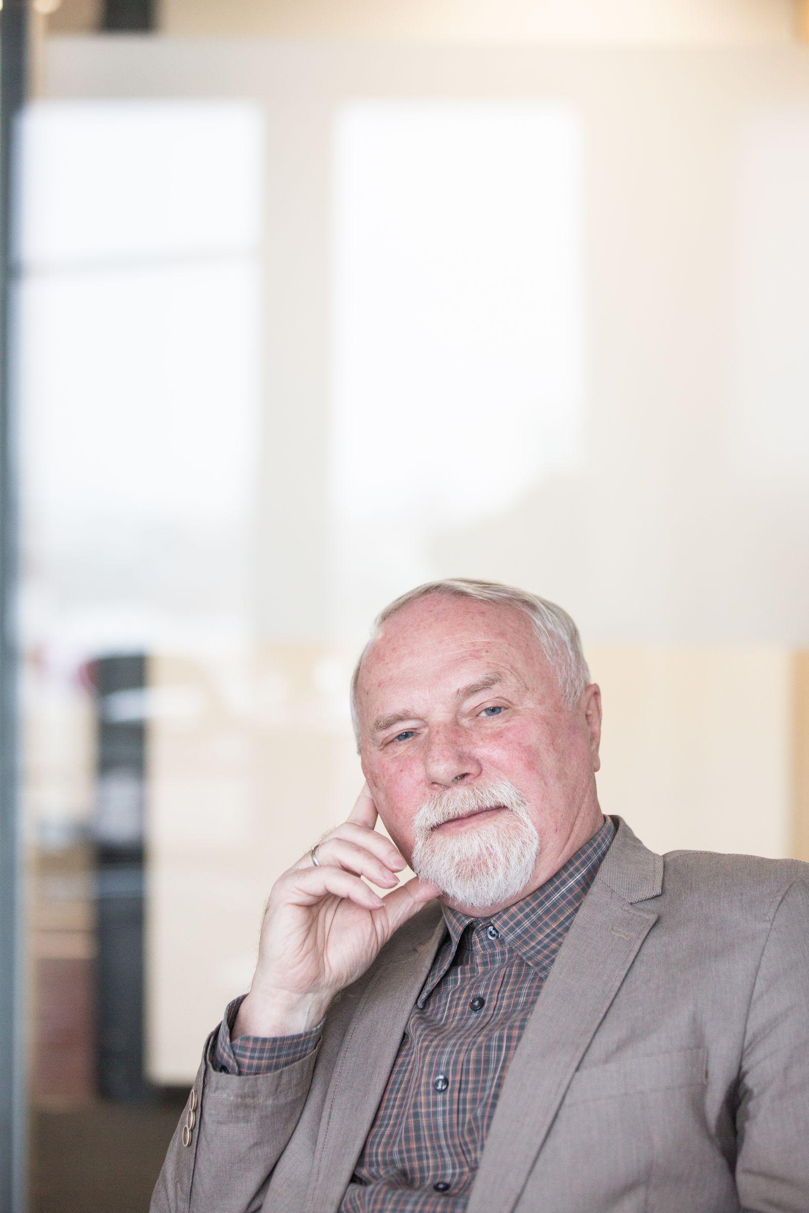 EINMALIGE VERWENDUNG SPIEGEL PLUS DER SPIEGEL 50/2017 S. 60 Rolf-Dieter Müller