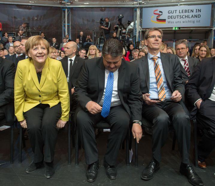 Nah beieinander, nah bei den Leuten: Merkel und Gabriel versuchen den Bürgerdialog