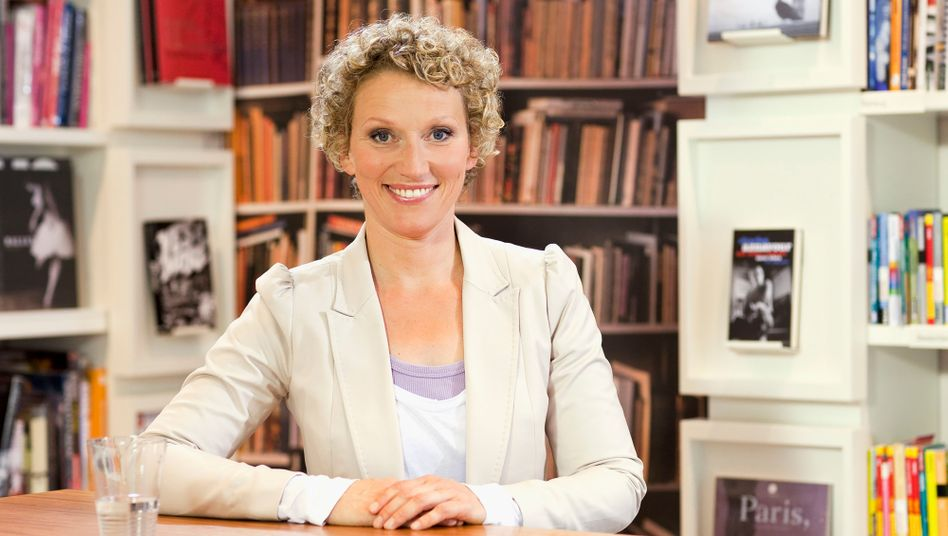 """Bücherjournal""-Moderatorin Julia Westlake"