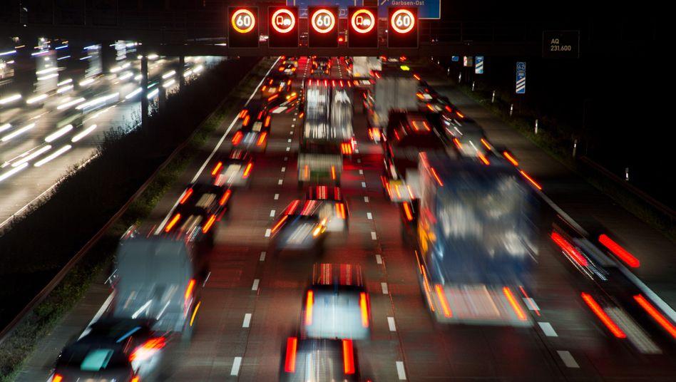 Autos auf der Autobahn A2