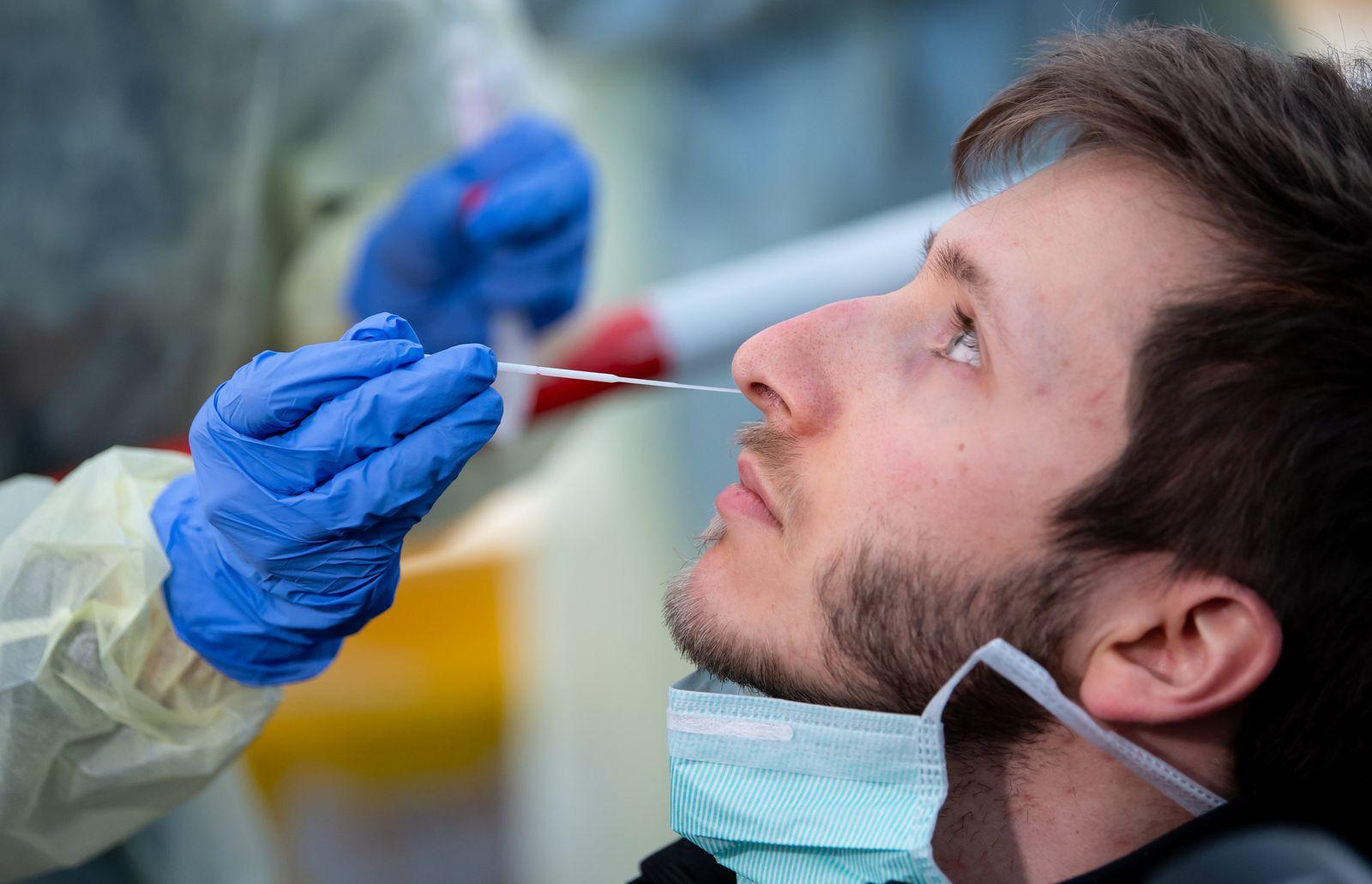 Coronavirus - Teststation am Tropeninstitut München