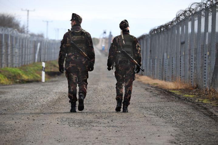 Kontrollgang an der serbisch-ungarischen Grenze