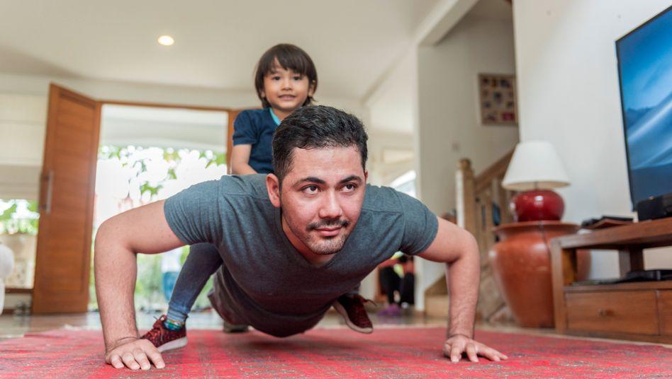Fitness in den eigenen vier Wänden? In der Coronakrise gehört das für viele zum neuen Alltag