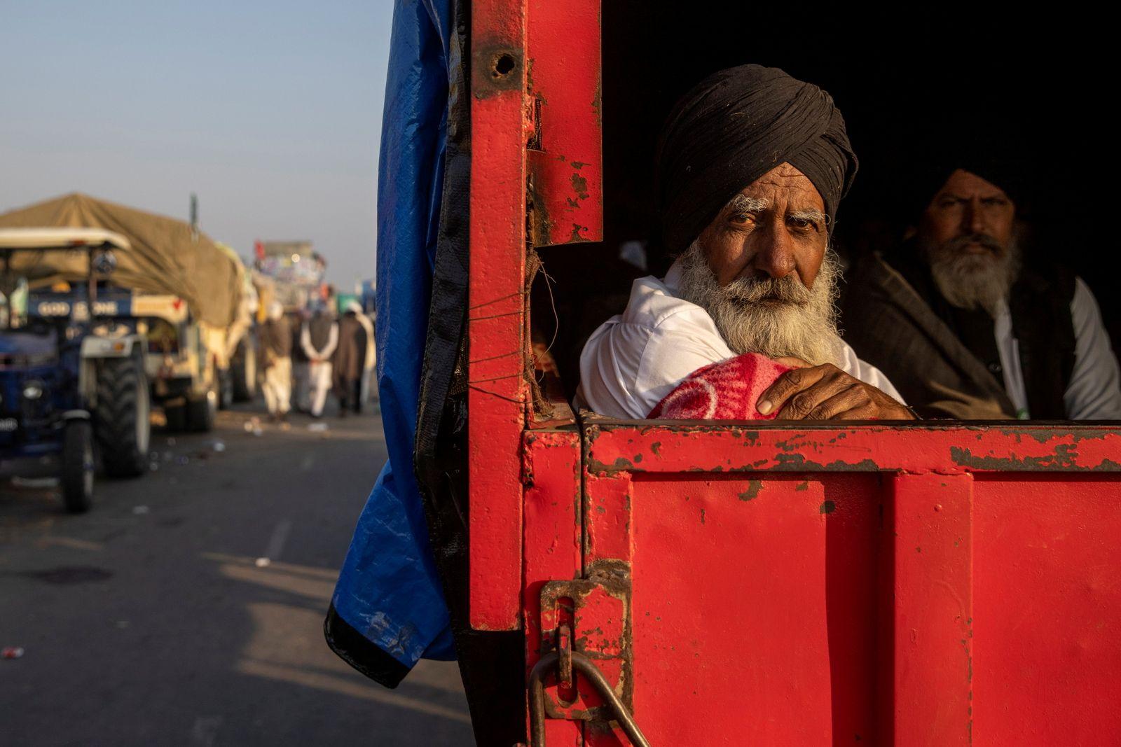 Protest against newly passed farm bills near Delhi