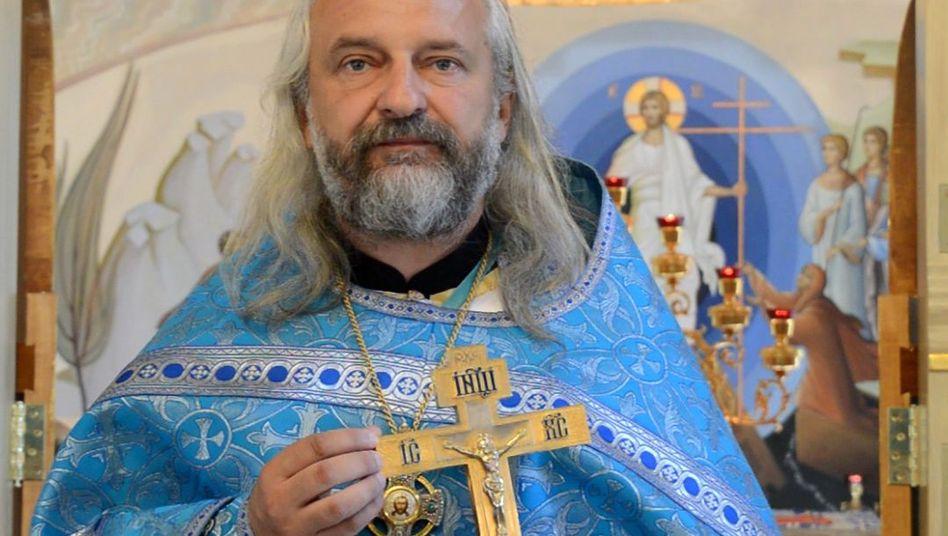 Erzpriester Wjatscheslaw Perewesentsew