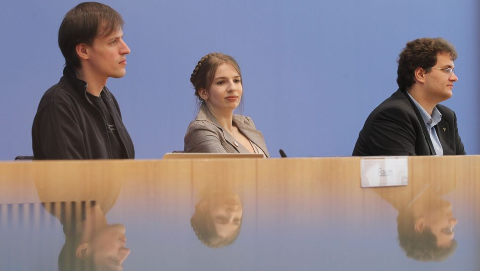 """Maria Weisband, center, finds the """"women question"""" boring."""