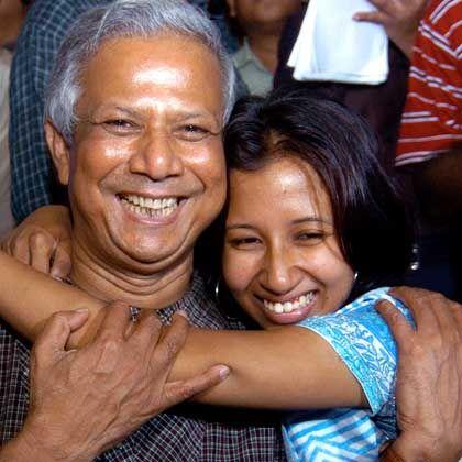 """Yunus mit seiner Tochter Dhaka: """"Ich fing an, mich selbst zu hassen"""""""